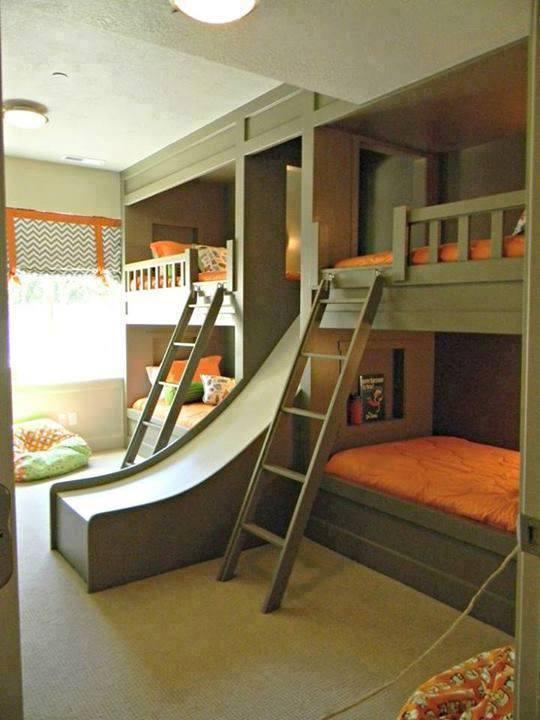 Idée chambre d\'enfant avec tobogan