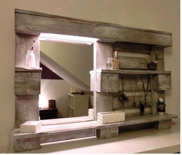 id e de miroir pour salle de bain fabriqu l 39 aide d 39 une palette. Black Bedroom Furniture Sets. Home Design Ideas