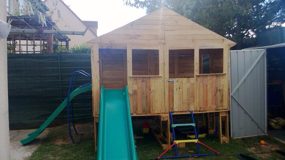id e de cabane pour enfant avec des palettes et planches. Black Bedroom Furniture Sets. Home Design Ideas