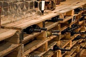 Cave vin en palettes des id es for Amenager une cave a vin