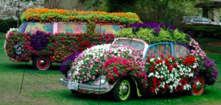 Transformez vos vieux v hicules en d coration florale des id es - Deco jardin recyclage ...