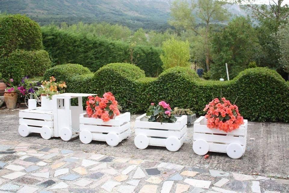 Fabriquer un train fleurit en palette for Ideas para jardin reciclado
