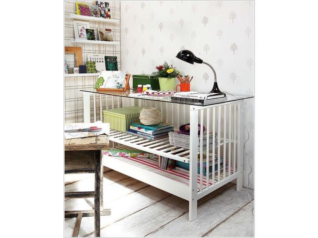 25 id es g niales et utiles pour recycler un lit de b b for Peinture pour lit bebe