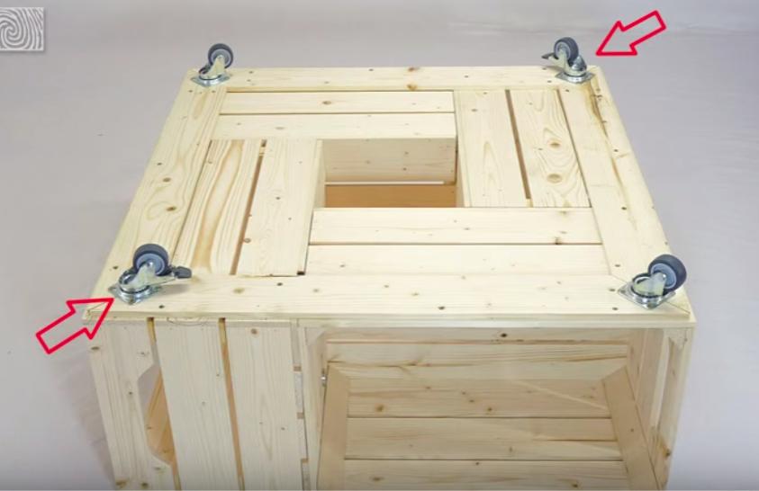 Fabriquer une table basse avec des caisses de vin des id es for Fabriquer un portillon en bois