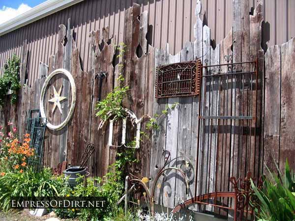 20 Ideas To Decorate Your Garden Fences Creatistic