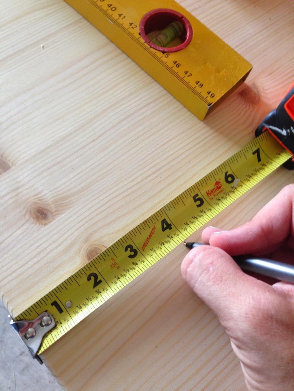Il Transforme Une Simple Table Ikea En Une Superbe Table De