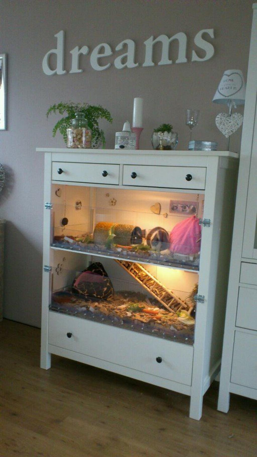 comment transformer de vieux meubles en cages pour vos rongeurs. Black Bedroom Furniture Sets. Home Design Ideas