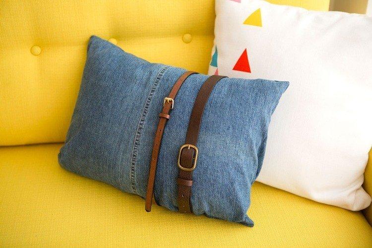 objet-deco-jeans-recycle-ceinture-coussins-canape-droit-jaune