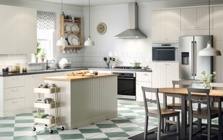 photo-cuisine-ikea-ilot-central-mobilier-blanc