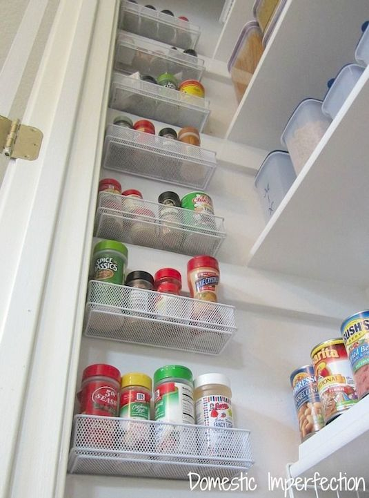 16-utilize-the-empty-wall-space-in-your-pantry-29-sneaky-tips-for-small-space-living