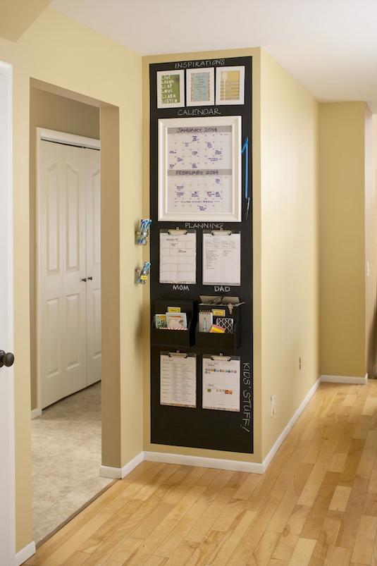 19-create-a-small-space-command-center-to-stay-organized-29-sneaky-tips-for-small-space-living