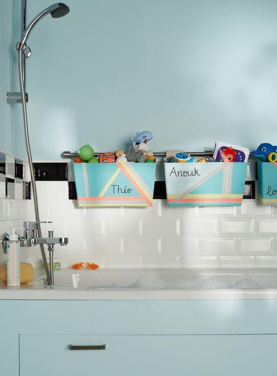 15 id es de rangements astucieux pour votre salle de bain for Rangement salle de bain baignoire