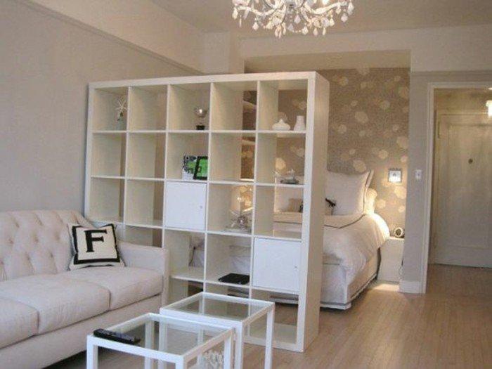 idee-rangement-petit-studio-amenager-un-studio-sol-en-parquet-clair ...