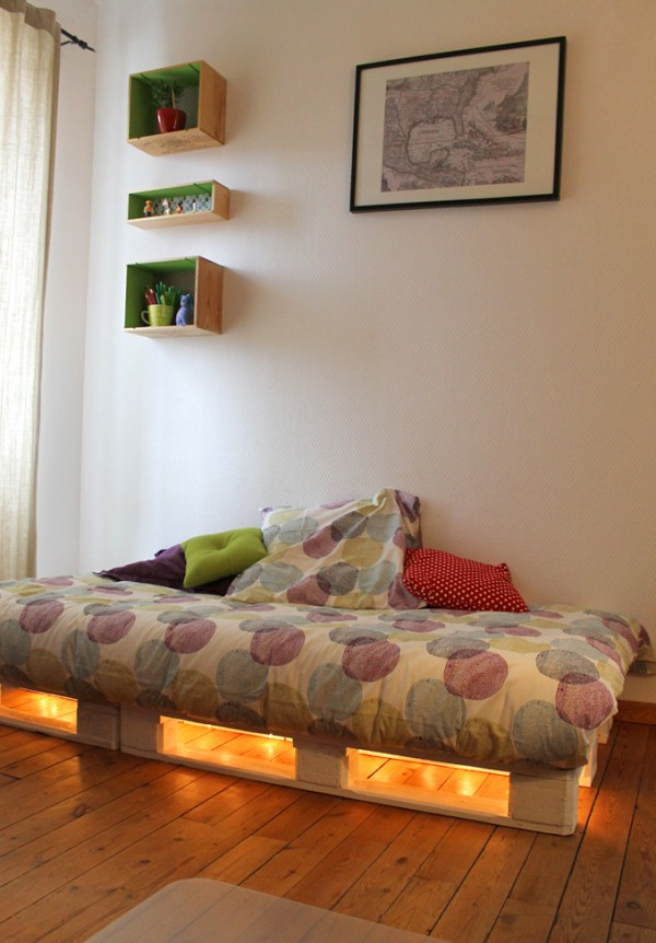 lit palettes lumiere. Black Bedroom Furniture Sets. Home Design Ideas