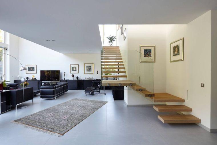 salon-deco-escalier-bois-design-falke-architekten - Des idées