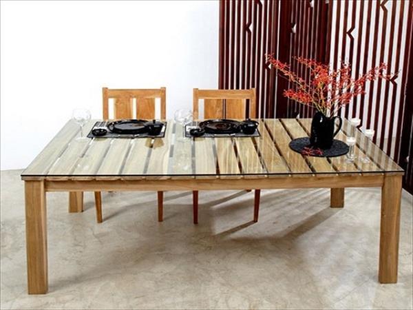 44 id es de table en palette pour votre maison des id es. Black Bedroom Furniture Sets. Home Design Ideas