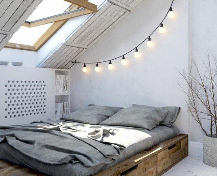000-chambre-sous-pente-avec-guirlande-lumineuse-idee-deco-romantique