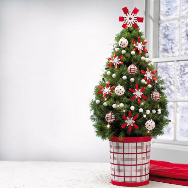 16 id es d co pour des sapins de no l artificiels des id es for Decoration sapin de noel rouge et blanc