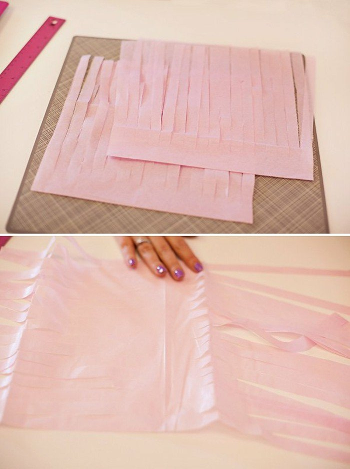 diy comment fabriquer une guirlande de pompons en papier de soie des id es. Black Bedroom Furniture Sets. Home Design Ideas