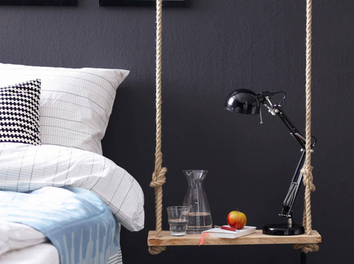 diy une table de chevet suspendue pr s de votre lit des id es. Black Bedroom Furniture Sets. Home Design Ideas