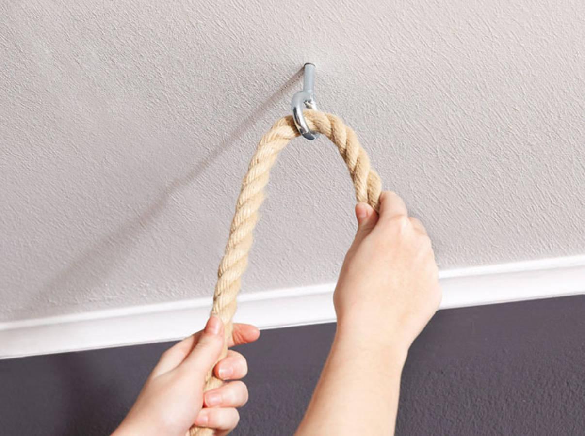 Fabriquer Lampe De Chevet Suspendu diy : une table de chevet suspendue près de votre lit