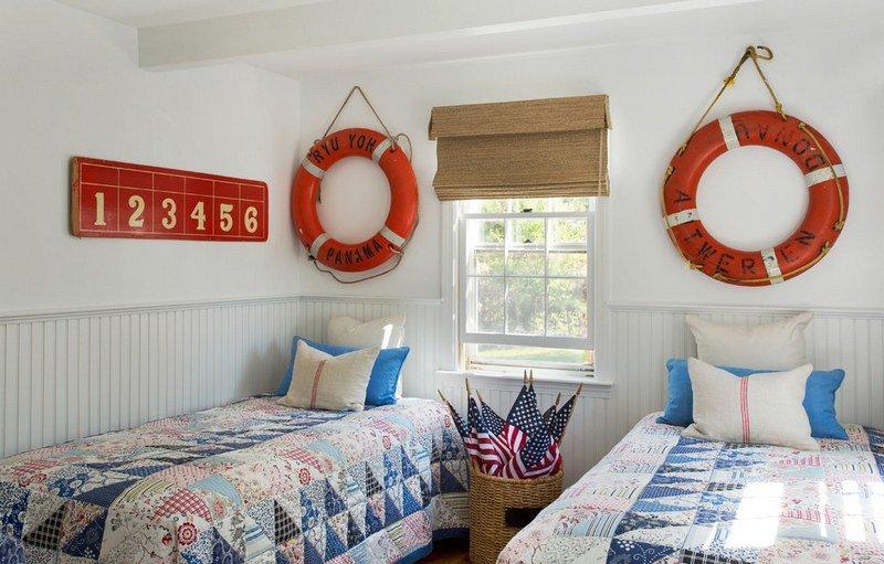 déco-bord-mer-chambre-enfant-bouées-sauvetage-rouges - Des idées