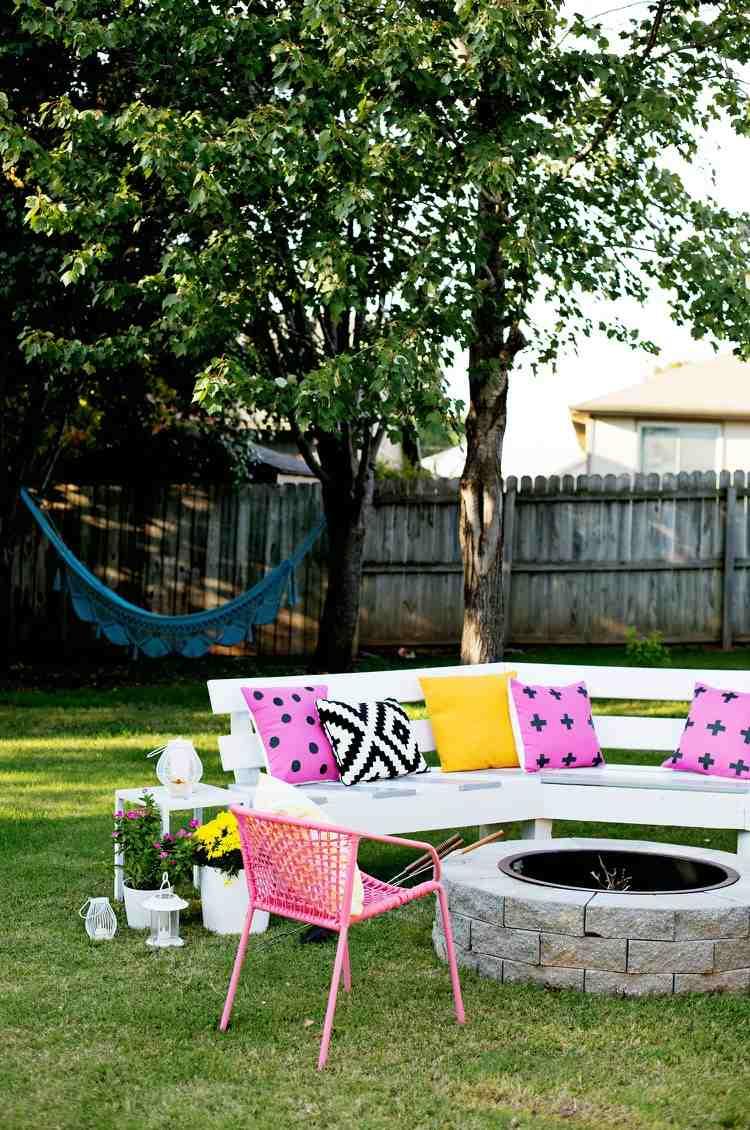 Construire Un Foyer Extérieur 14 idées de foyers extérieurs pour embellir votre jardin