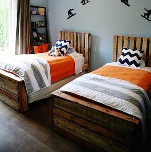 14 lits confortables et originaux faire vous m me des id es. Black Bedroom Furniture Sets. Home Design Ideas
