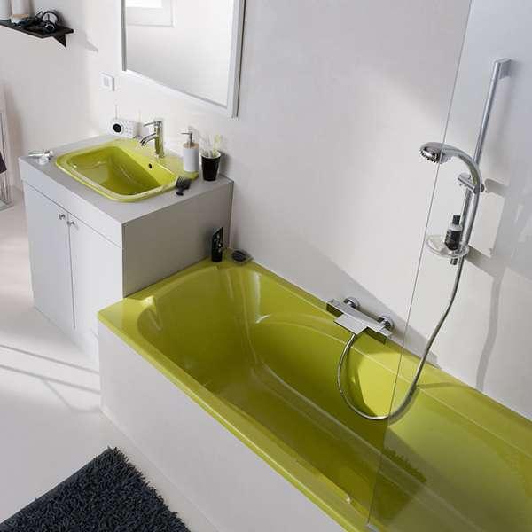 10 fa ons d 39 apporter de la couleur dans votre salle de bain page 2 sur 2 des id es for Peinture baignoire resinence