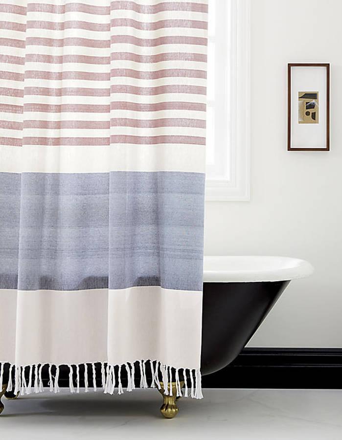 15 rideaux de douche pour une salle de bain tendance des id es - Rideau tie and dye ...