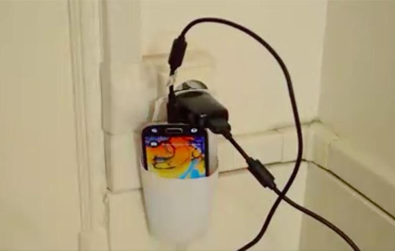 tuto fabriquez un porte chargeur mural pour votre t l phone des id es. Black Bedroom Furniture Sets. Home Design Ideas