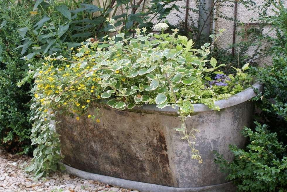 10 jardini res fabriquer pour un petit coin vert sur votre balcon page 2 sur 2 des id es. Black Bedroom Furniture Sets. Home Design Ideas