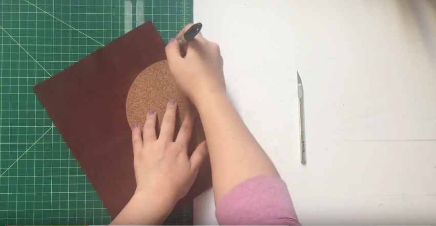 Une pochette de rangement murale simple fabriquer des - Pochette murale de rangement ...