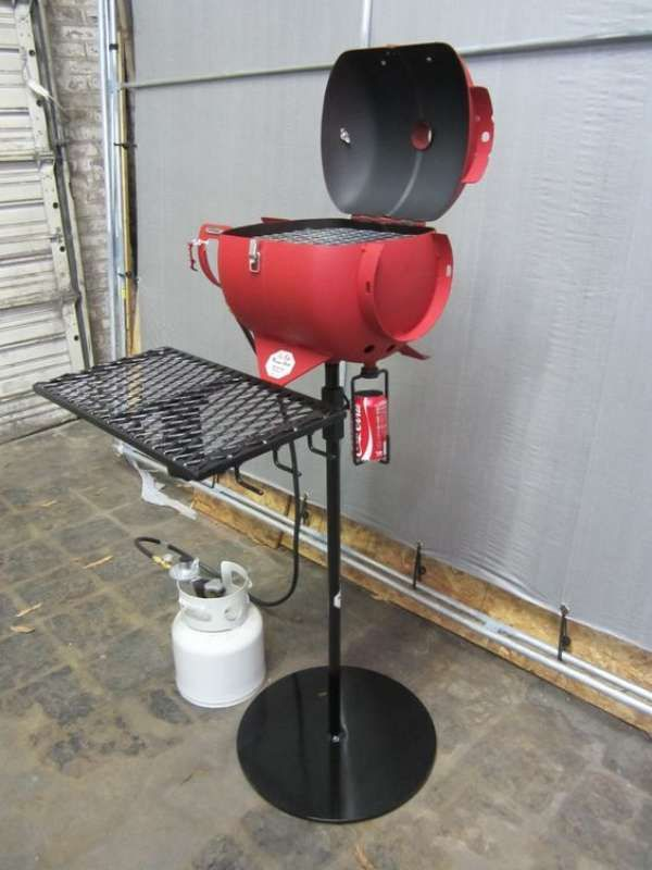 6 fa ons originales de transformer des objets en barbecue. Black Bedroom Furniture Sets. Home Design Ideas