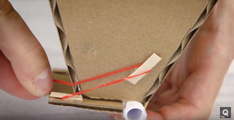 Avec seulement du carton fabriquez un distributeur de croquettes pour votre chien des id es - Croquette pour chien fait maison ...