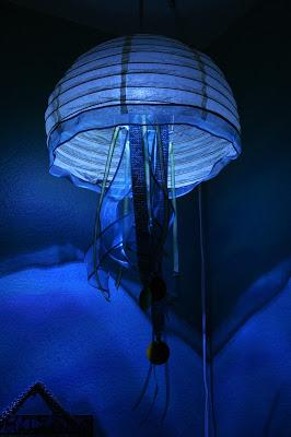14 mani res de d corer une lanterne en papier reproduire facilement chez vous page 3 sur 3. Black Bedroom Furniture Sets. Home Design Ideas