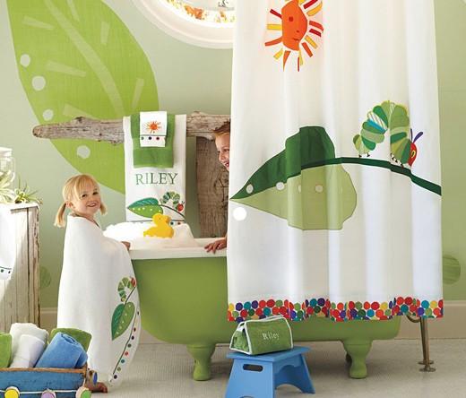 15 id es ludiques pour d corer une salle de bain d 39 enfants page 3 sur 3 des id es. Black Bedroom Furniture Sets. Home Design Ideas
