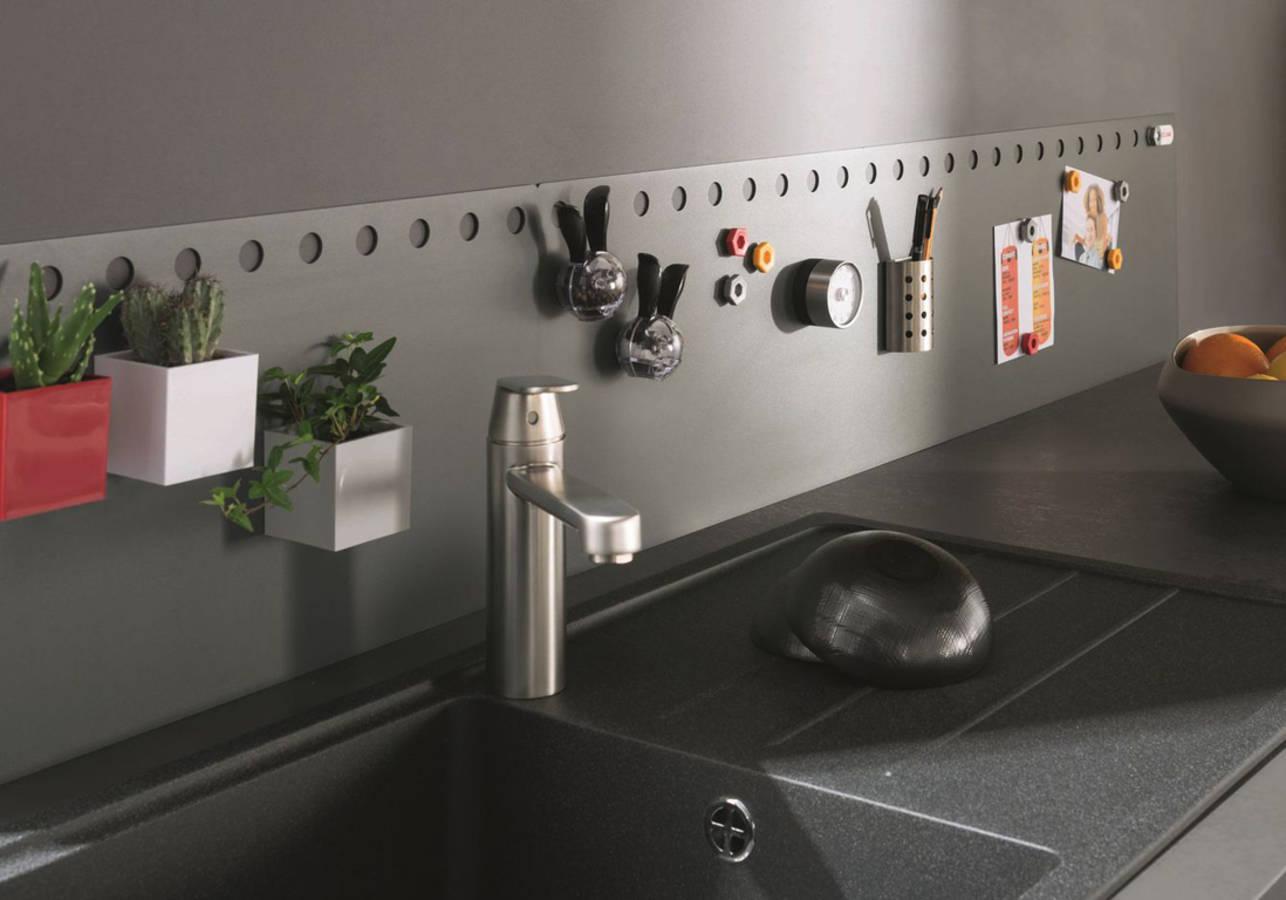 15 astuces pour optimiser l 39 espace d 39 une petite cuisine. Black Bedroom Furniture Sets. Home Design Ideas