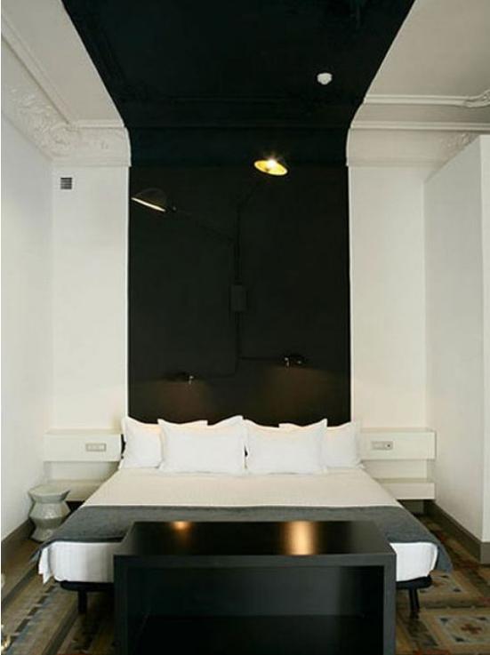 12 id es pour oser peindre un plafond en couleur des id es. Black Bedroom Furniture Sets. Home Design Ideas