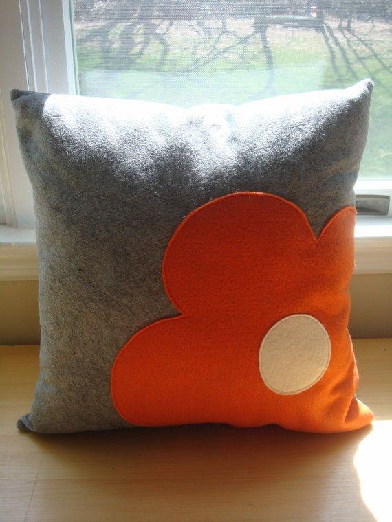 19 belles id es pour customiser vos coussins page 2 sur 3 des id es. Black Bedroom Furniture Sets. Home Design Ideas