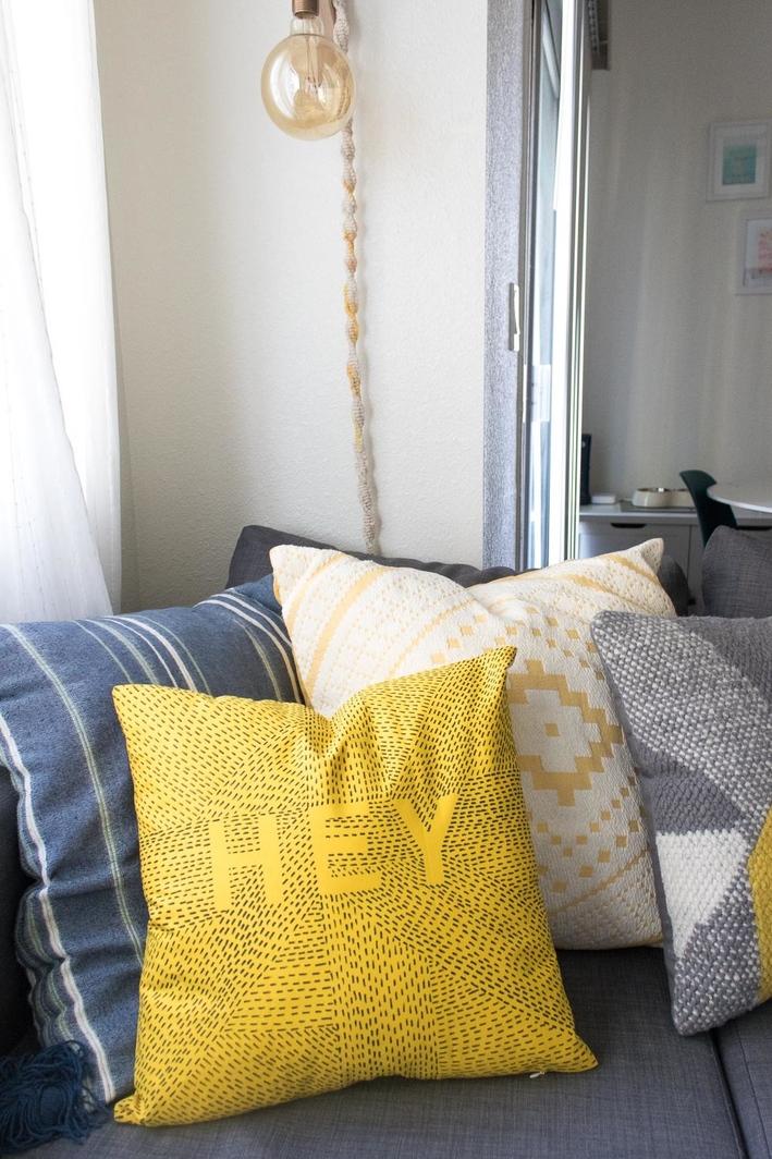 19 belles id es pour customiser vos coussins page 3 sur 3 des id es. Black Bedroom Furniture Sets. Home Design Ideas