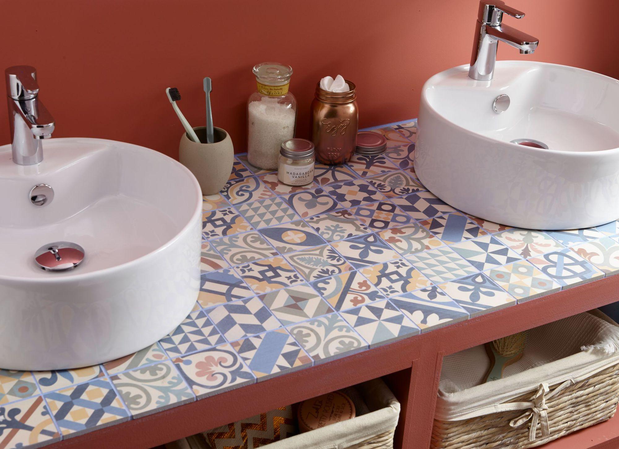15 inspirations pour choisir sa mosa que de salle de bains for Mosaique salle de bain castorama