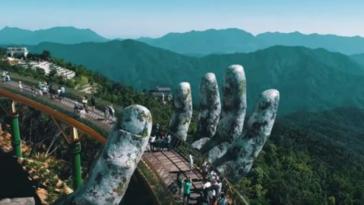 pont géant main