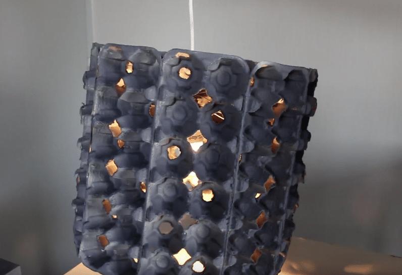 lustre boîte d'oeufs