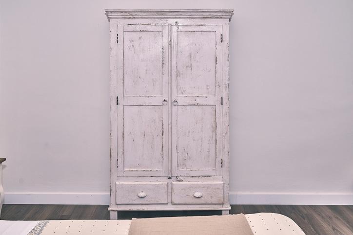 armoire grunge
